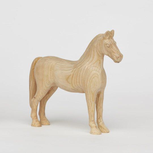 Cavallo in legno di ciliegia Achal 15